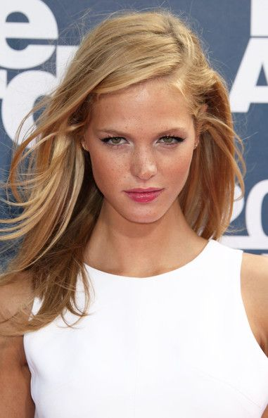 Erin Heatherton fresh face