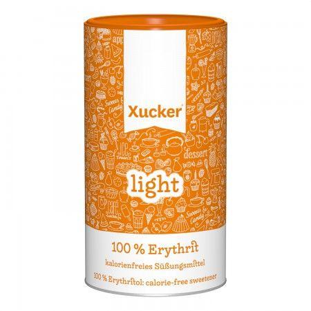Xucker light - französisches Erythrit, kalorienfrei. Erythrit ist ein Fermentationsprodukt von Traubenzucker, der aus Mais gewonnen wird - GMO-frei. Kalorienfrei. Glutenfrei. Vegan.