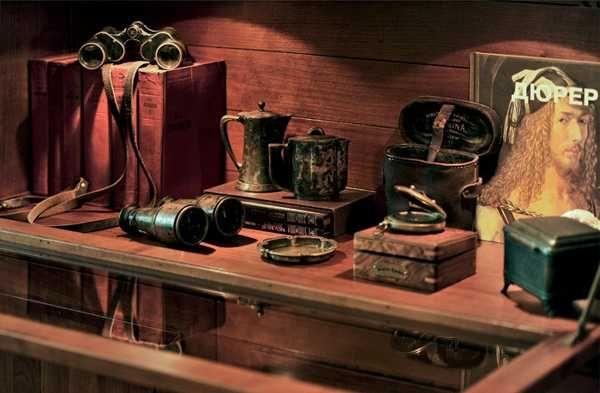Best 20 Hunting Lodge Interiors Ideas On Pinterest Rustic Man Cave Men 39 S Bathroom And Elk