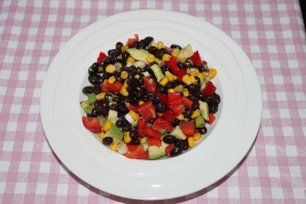 Zwarte bonen-salade-avocado