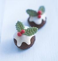 Olá queridos e queridas :  Que tal um docinho fácil de fazer, irresistível e com cara de Natal !!!!  Pois é, nosso querido e v...