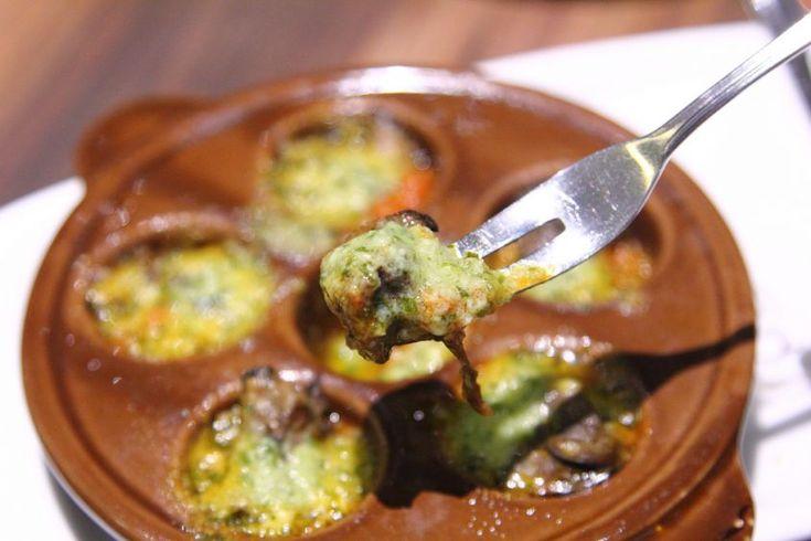 Vediamo come preparare le lumache alla bourguignonne, uno dei più classici…