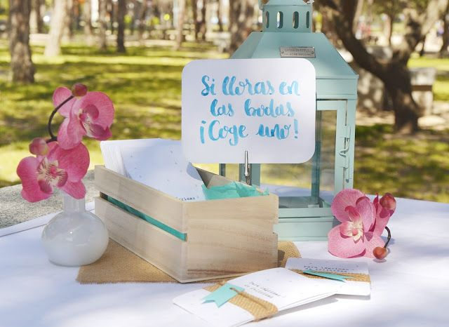 Brush pen lettering for tears of happines. Carteles para Lágrimas felicidad Boda