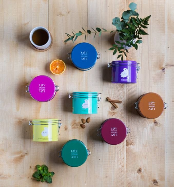Migdały, trawa cytrynowa-porzeczka, chai, wanilia…  Który smak będzie twoim ulubionym Løv Rooibos?  Odkryj nowe smaki połączone z klasycznym rooibos >> https://homeandfood.eu/q/?keywords=rooibos