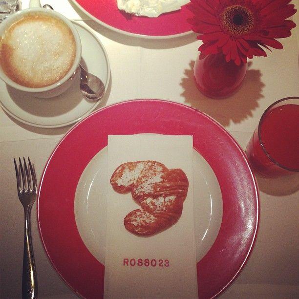 Red&Grey, Santa Maria Novella, la Cupola del Brunelleschi. Una colazione ricca e deliziosa accompagnata da una colonna sonora ricercata.
