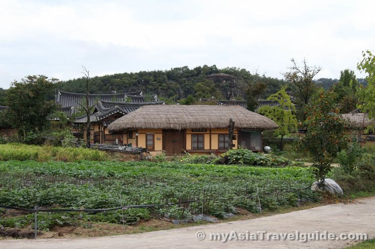 World Heritage at Hahoe village, Andong, South Korea | Photograph by myAsiaTravelguide.com