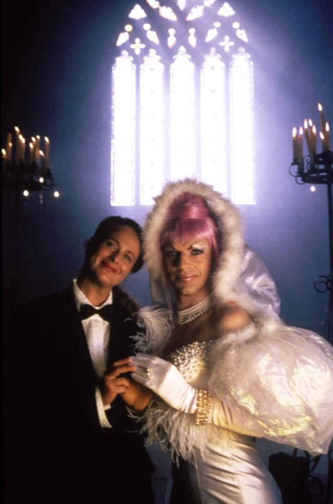 THE ADVENTURES OF PRISCILLA, QUEEN OF THE DESERT, Sarah Chadwick, Hugo Weaving, 1994 | Essential Film Stars, Hugo Weaving http://gay-themed-films.com/film-stars-hugo-weaving/