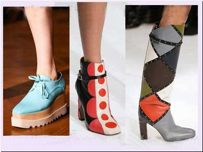 But it is far from being the whole list of materials used: fur, plastic, sheepskin, polyurethane, a number of metal items and accessories.  #trendywintershoes #fashion-in-fashion.com