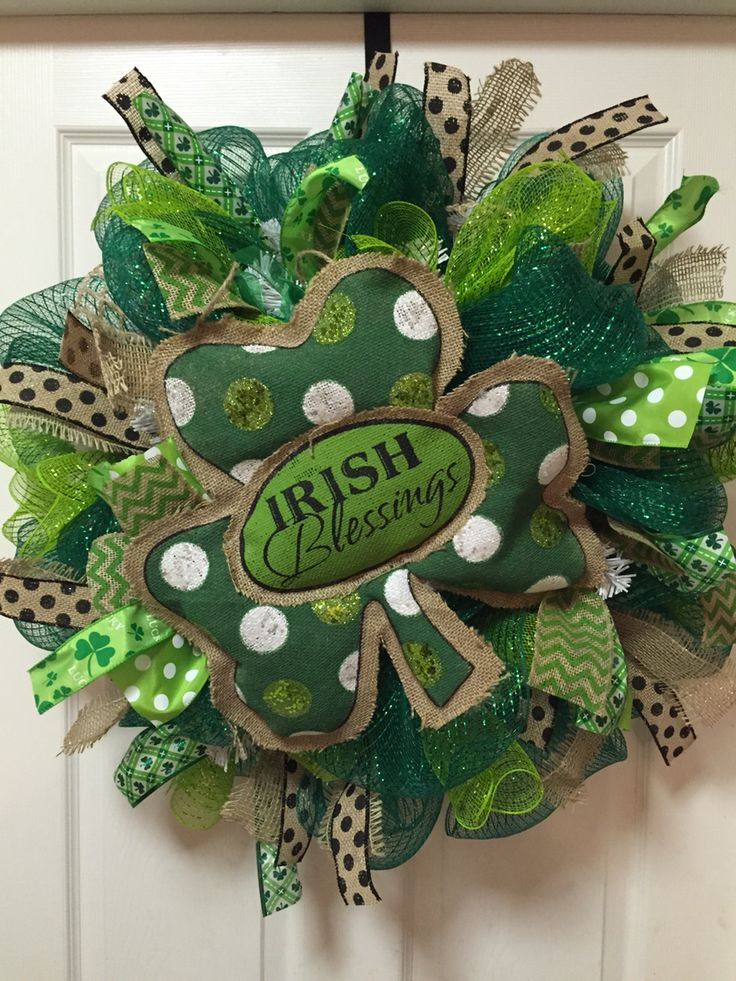 st patrick 39 s day wreath 27 deco mesh with burlap clover. Black Bedroom Furniture Sets. Home Design Ideas