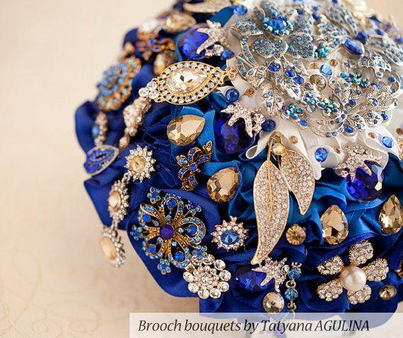 Brosche Bouquet. Royal Blau und Gold Kristall von TatyanaAgulina