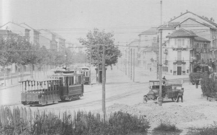 Torino Incrocio tra corso De Gasperi e Corso Duca degli Abruzzi visto da largo Orbassano