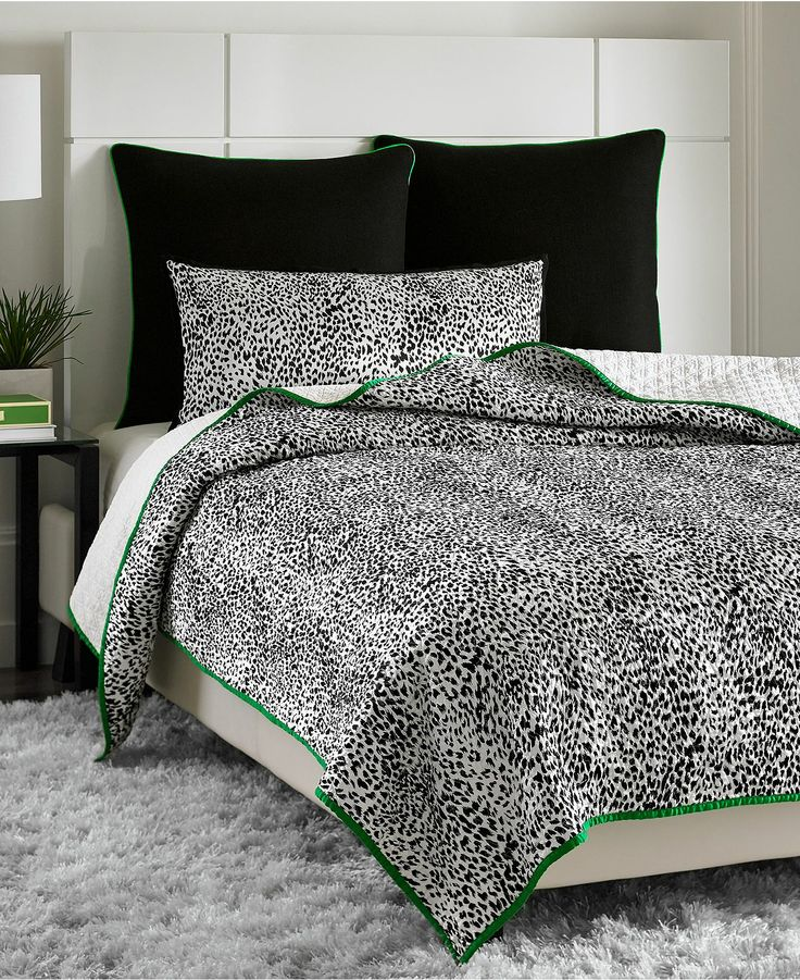 Vince Camuto Home Snow Leopard Full Queen Printed Coverlet