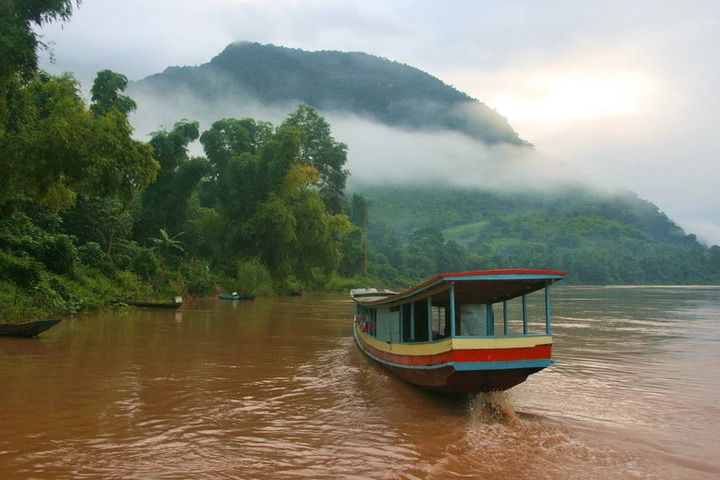 Travelling from northern Thailand to Luang Prabang by slow-boat.