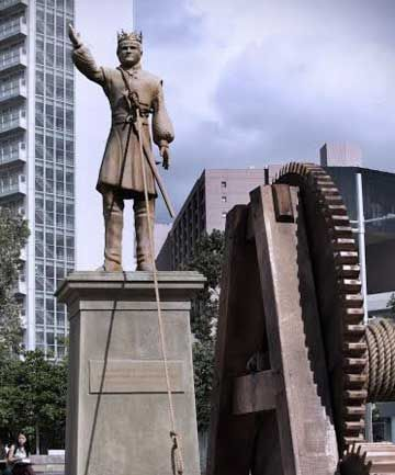 King Joffrey: A giant seven-metre statue of King Joffrey has been erected in Aotea Square, with a rope around his neck.   Social media users get the chance to pull the statue down by using the hashtag #bringdowntheking on Twitter, and with every tweet, the statue will be one cog closer to toppling!