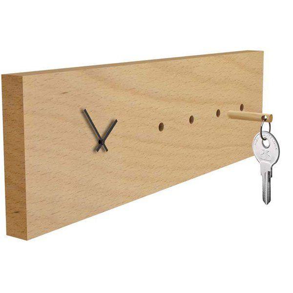 Horloge porte-clés design chez Reine Mère. Horloge porte-clés design  en hêtre massif chez Reine Mère