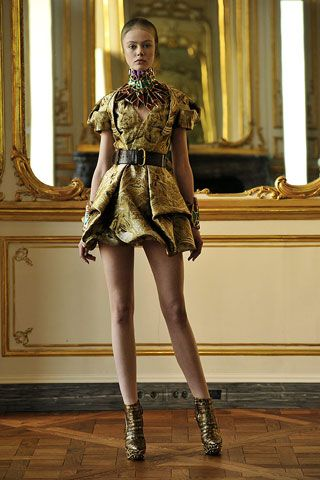 Baroque fashion dresses: Alexander Mcqueen, Mcqueen Fall, Fashion Show, Fashion Week, Runway, Dresses, 2010 Rtw, 2010 Ready To Wear, Fall 2010