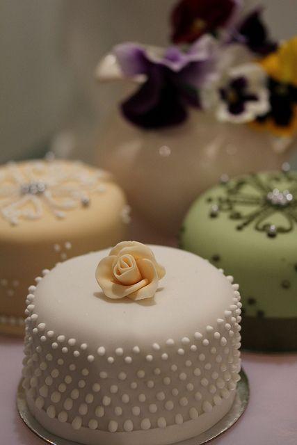 All sizes | Chic elegant fondant wedding cake | Flickr - Photo Sharing!