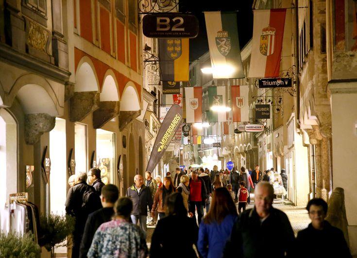 Steyr feiert und genießt – Late Night Shopping und Schmankerlmarkt