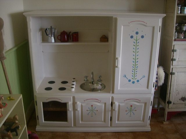 tv stand play kitchen | play kitchen | Flickr - Photo Sharing!