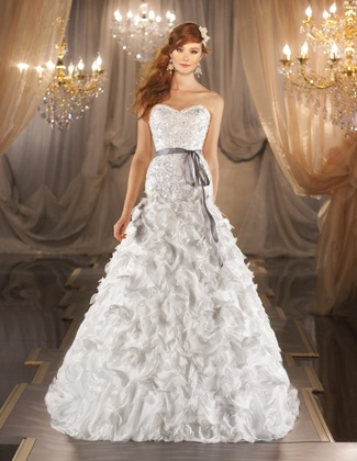 Patsy's Bridal Boutique Dallas, TX, | Wedding Gowns, Bridesmaid Dresses, Wedding Accessories www.patsysbridal.com #dallas #bridal #weddinggown #wedding