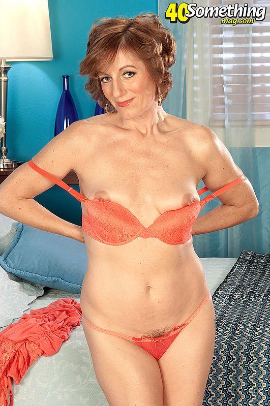 Older Women Model Clips 108