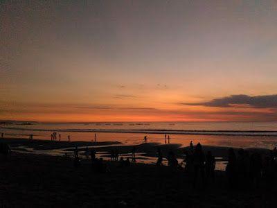Senja adalah bagian waktu dalam hari atau keadaan setengah gelap di bumi sesudah matahari terbenam, ketika piringan matahari secara keseluruhan telah hilang dari cakrawala. Waktu ini dimulai setelah matahari tenggelam saat cahaya masih terlihat di langit hingga datangnya waktu malam (isya) saat cahaya merah (syafak) benar-benar hilang.