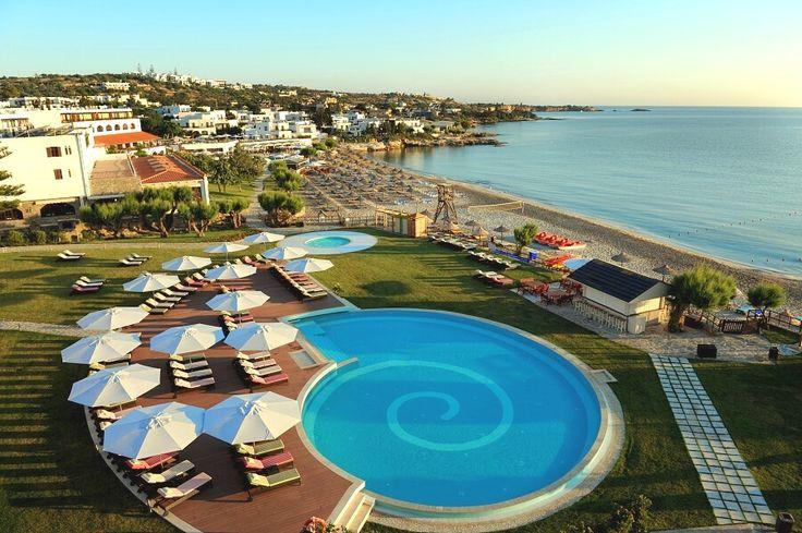 No tak toto je luxus. Mala by som začať šetriť na dovolenku v Grécku.  http://www.firotour.sk/letna-dovolenka/grecko/kreta/hotel-creta-maris-beach-resort.html