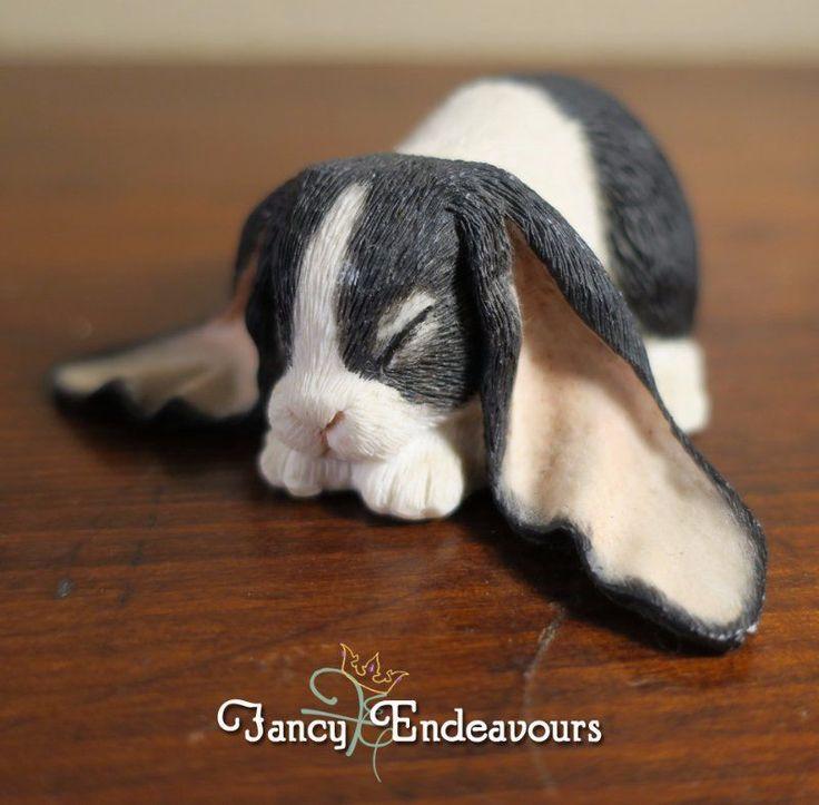 Sherratt & Simpson England Black & White Lop-Eared Bunny Rabbit Figurine #SherrattSimpson