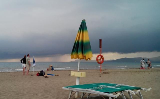 METEO settimana 24-30 luglio   Si passa dagli ombrelloni agli OMBRELLI, temporali in arrivo