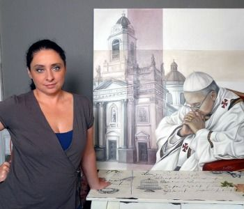Habemus Papam. Mercedes Fariña l'artista che dipinge Papa Francesco
