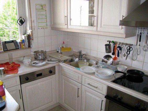 Chaotische Küche mit ein wenig System in wenigen Minuten ...