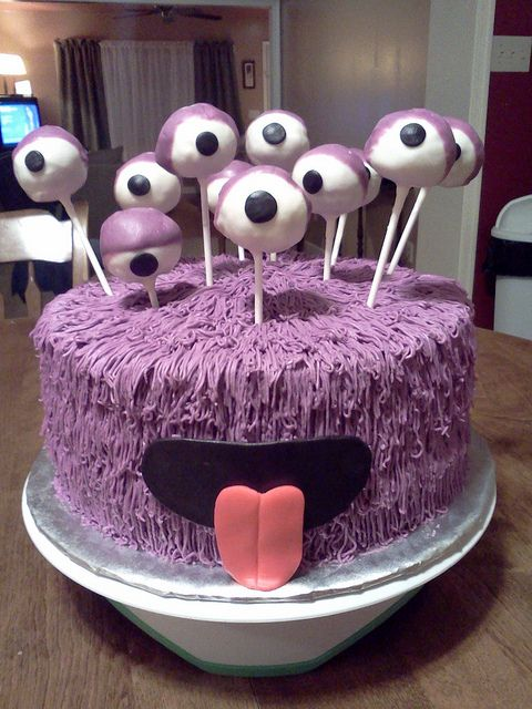 """""""Purple Monster Cake..."""" I am absolutely in L❤ve with this ADORABLE little monster.!!! ✿◕‿◕✿"""