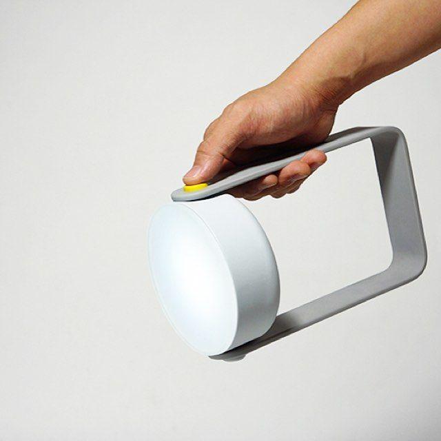 "159 curtidas, 3 comentários - minimalgoods (@minimalgoodsco) no Instagram: ""The multi-function portable light.⠀ ⠀ .⠀ .⠀ .⠀ .⠀ .⠀ #minimalism #minimalistic #productdesign…"""