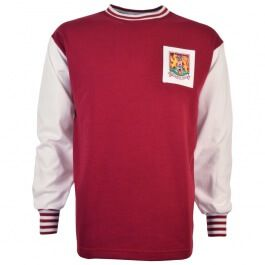 Northampton Town 1964-67 Retro Football Shirt This style of shirt was worn between 1964 and 1967, it is long sleeves (white) with a Maroon body. Promoted in 1961, Northampton were Division Three champions in 1963 and in 1965 they won promotion to http://www.MightGet.com/may-2017-1/northampton-town-1964-67-retro-football-shirt.asp