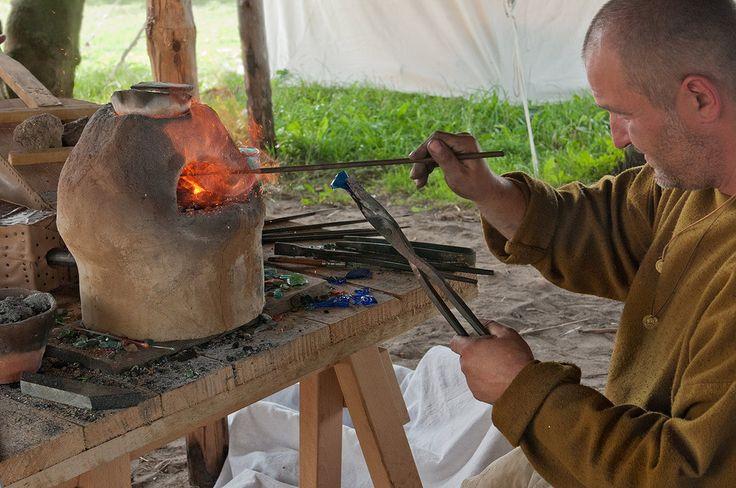 Warsztaty Wolin 2012 How to make viking pearls