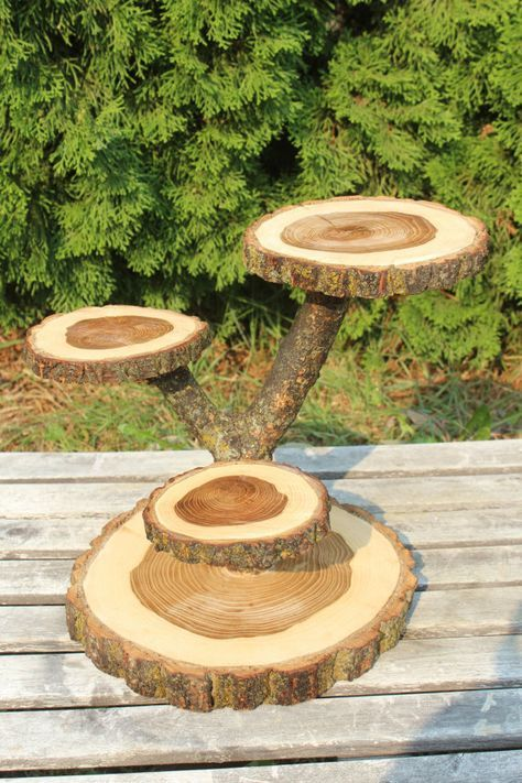 Großes Holz Elm Holz Rustic Cake Cupcake Stand Hochzeitliche Party Dusche Holz 4 gestaffelt, Holzfäller Party, Boho Party, wilde Dinge sind, Live-Rand