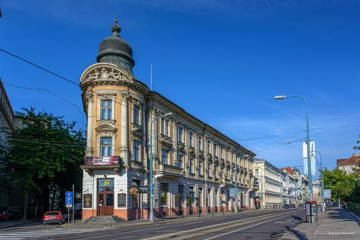 Tobrucka/Sturova, next to University,Bratislava, Slovakia by António Farelo on 500px