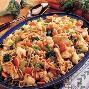 Ramen noodle chicken stir fry. Come on, we all have ramens in the cupboard.