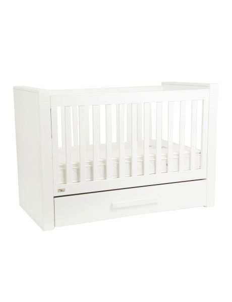 With European styling and crafted with sustainable New Zealand Pine, the Manor Park cot is the perfect modern addition to any nursery.