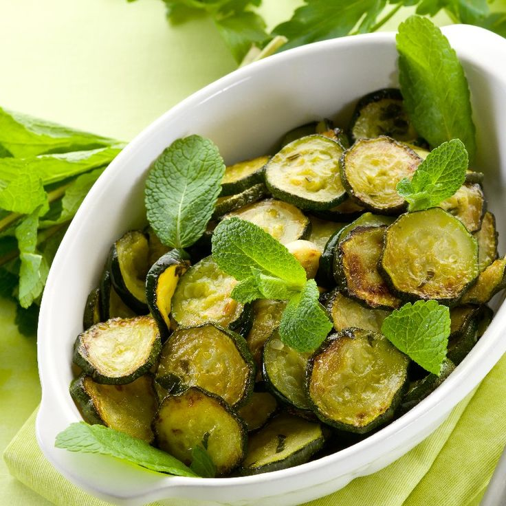 Sauteed Zucchini with Garlic & Herbs: fast 15 minute #recipe.