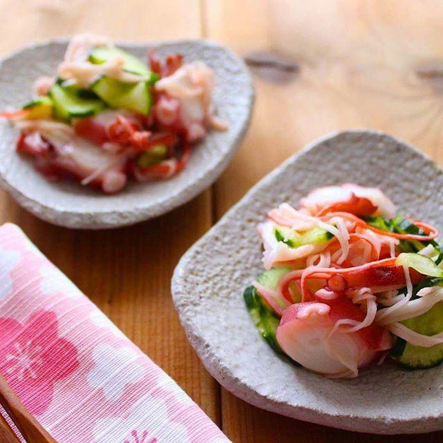 【asucafe】さんのInstagramをピンしています。 《2分でできる『たこときゅうりの酢の物』 レシピは、blogにアップしました 甘めで、子どもたちも食べやすいですよ〜 #酢の物#きゅうり#タコ#たこ#octopus#vinegar#カニカマ#お酢料理#すし酢#だし蔵#さっぱり#副菜#followme#foodpic#instafood#instagood#yammyfood#おうちごはん#2分レシピ#レシピ#グルメ#gourmet#Delicious#japanesefood#japanese#宮本ふきん#桜#風呂敷#手ぬぐい#あすかふぇ》