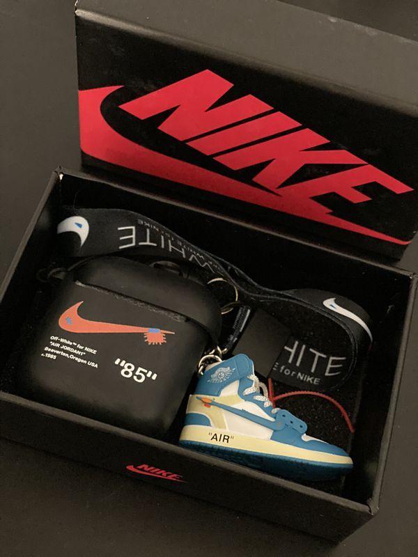 Nike x Off-White 3D sneaker keychain