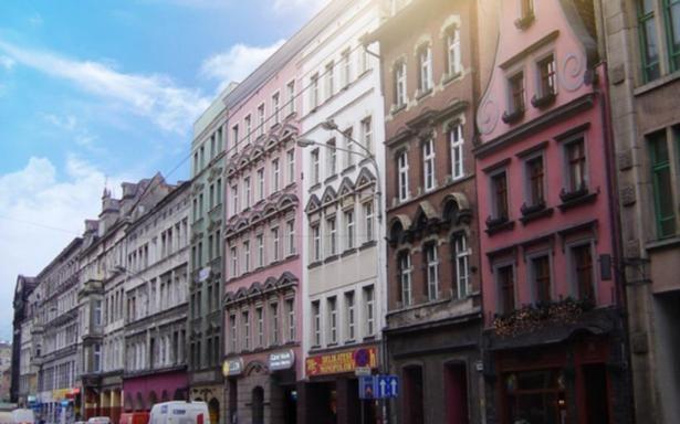 Renowacja kamienic i ich drugie życie, dzięki nowoczesnym mieszkaniom z nowymi lokatorami - Wrocław to nie tylko nowe inwestycje na rozrastających się peryferiach miasta.