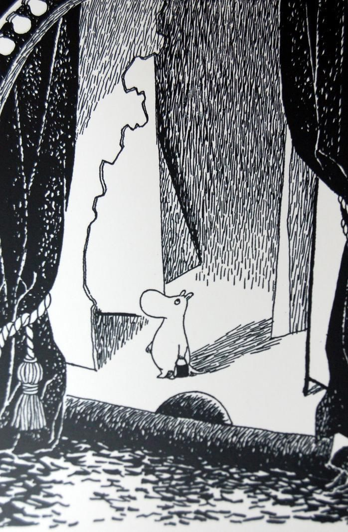 Moominmamma on a stage postcard MOOMIN |  £2.00 Buy it now