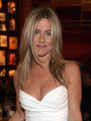 Jennifer Aniston keeps her skin youthful by swiping Vaseline under her eyes every night to prevent wrinkles and fine lines. Good thinking!