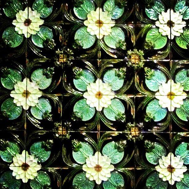 Bordallo Pinheiro tiles from the Berardo Collection at the Aliança Underground Museum #anadia #portugal #wineandart #winetourism #berardocollection #aliança #winecellars #tiles