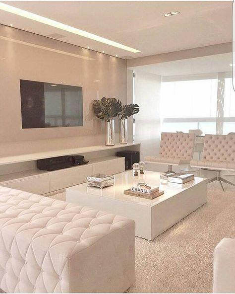 Bom diaaaaaa lindezas!!! Inspiração para quem gosta de ambientes claros e delicados. Projeto Rejane Dubeax