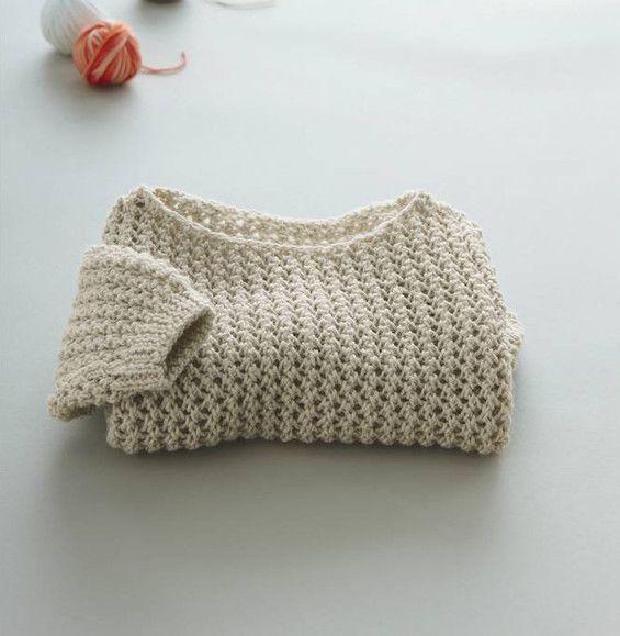 7d51d8aa4cf7 Un esprit ajouré pour ce pull à manches longues composé à 49% de laine  d agneau. Modèle mixé en point de tricot et col arrondi tricoté en…