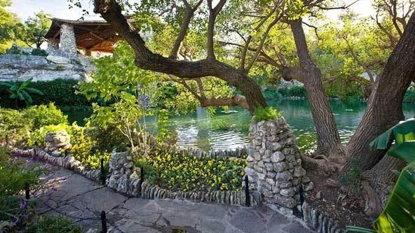 San Antonio, TX - Japanese Tea Garden.