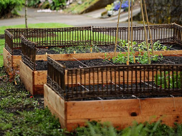 More raised bed ideas from Alicia Paulsen at Posie Gets Cozy (http://rosylittlethings.typepad.com/posie_gets_cozy/2012/04/a-little-garden.html)